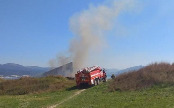 Новороссийцы заметили дым в районе комплекса «Малая Земля»