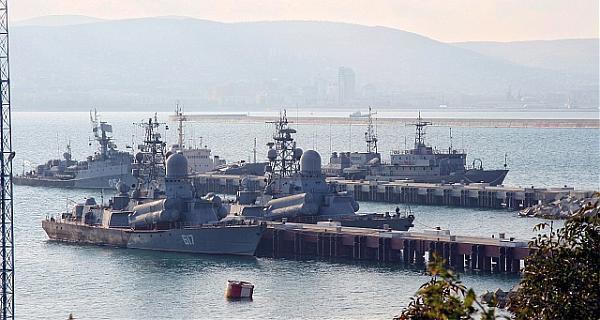 Командующий Черноморским флотом проверит военно-морскую базу в Новороссийске