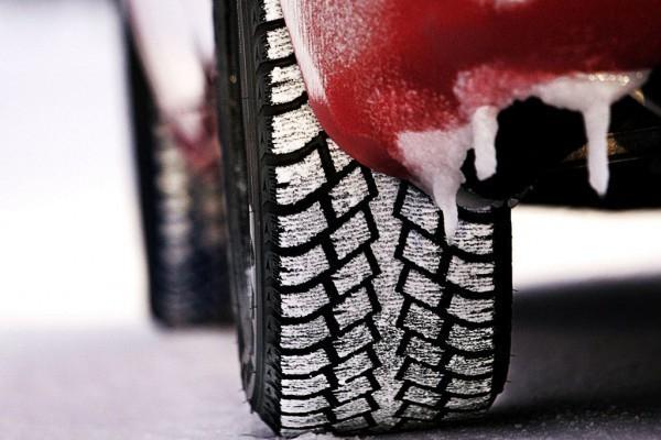 В Краснодарском крае запрещено ездить на летней резине