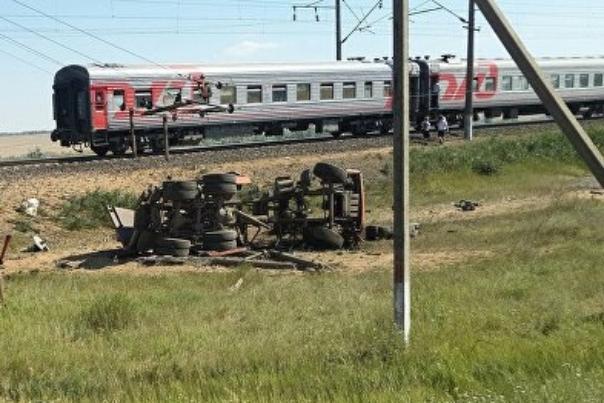 Поезд с туристами по дороге в Новороссийск попал в ДТП. Есть жертвы