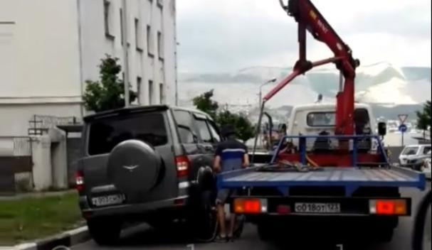 «Необычный» способ эвакуации возмутил новороссийцев