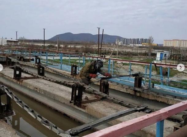 Своими глазами увидели и своими носами понюхали журналисты Новороссийска, как работают очистные сооружения в Алексино