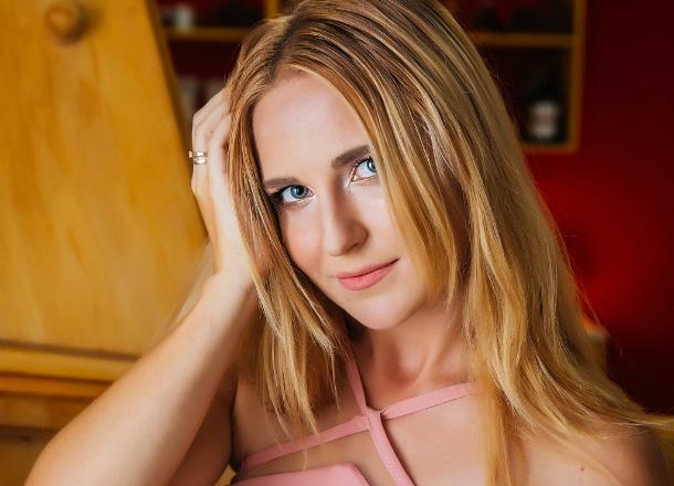 Юлия Наумская: смесь нежности и любви к риску