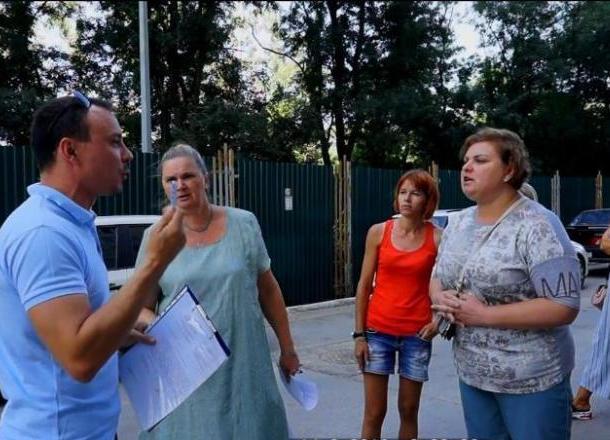 Люди против бумаги. Жильцы дома взбунтовались против управляющей компании