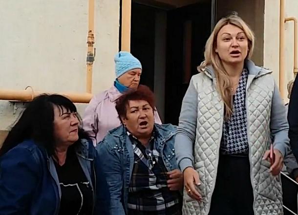 Новороссийцы возмущены тем, как управляющие компании захватывают их дома