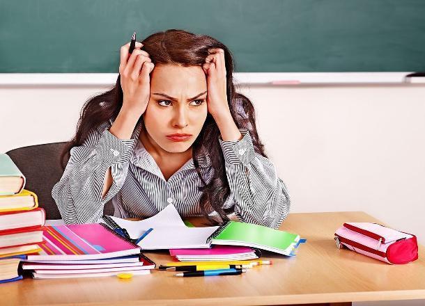 Учителям Новороссийска повысят зарплату на 1000 рублей. Но не всем