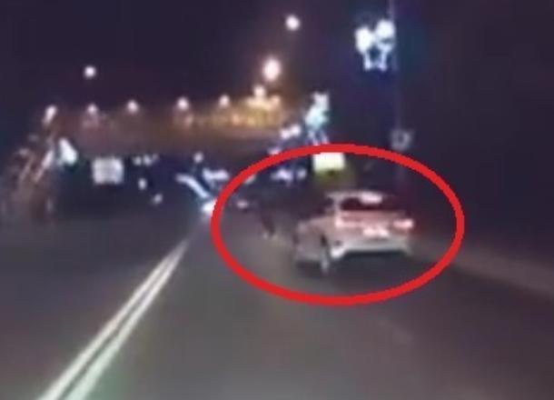 Сиганула под колёса в темноте жительница Новороссийска