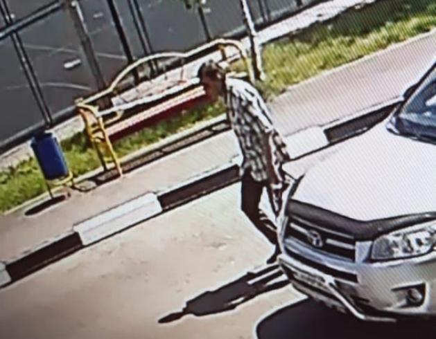 Вор украл сумку средь бела дня в центре Новороссийска