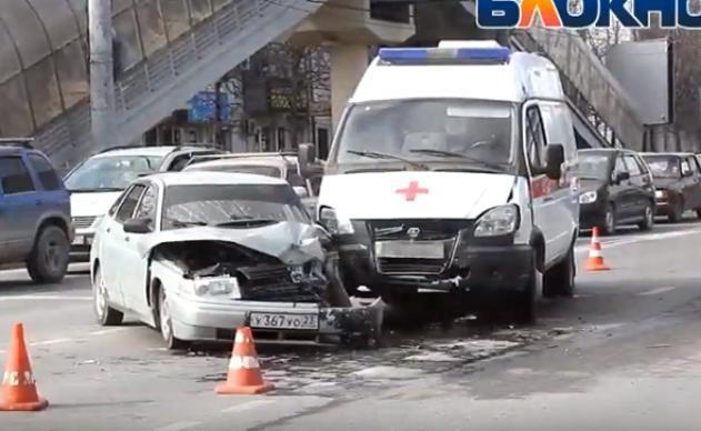 ДТП с участием Скорой случилось на Анапском шоссе в Новороссийске