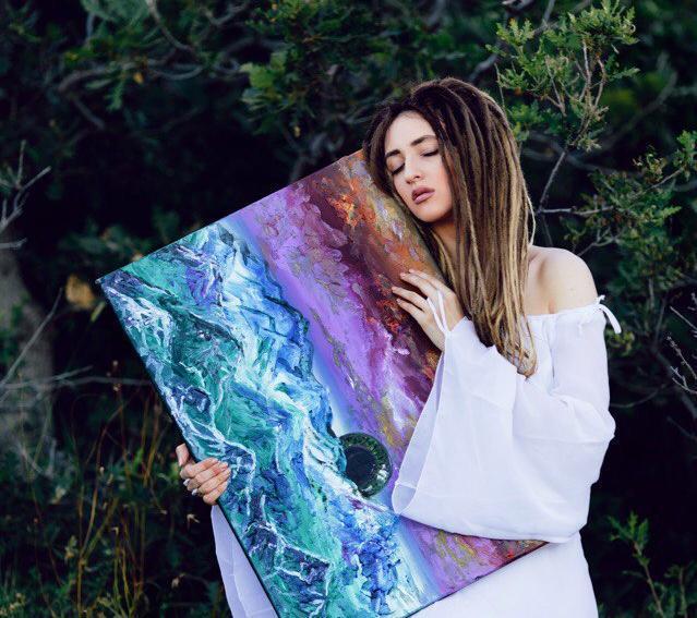Необычные картины Виктории Зеленикиной можно будет увидеть в Новороссийске