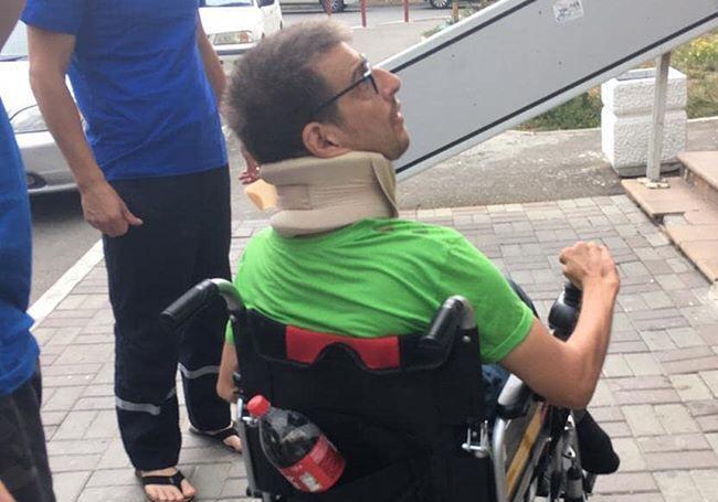 Новороссийцы отказались помочь подняться инвалиду
