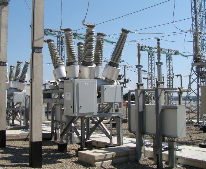 Бригады «Россети Кубань» оказывают помощь городским электросетям в восстановлении энергоснабжения в пригороде Новороссийска
