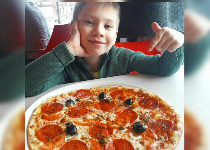 Семён Олегович и его мама знают, где делают лучшую в Новороссийске пиццу