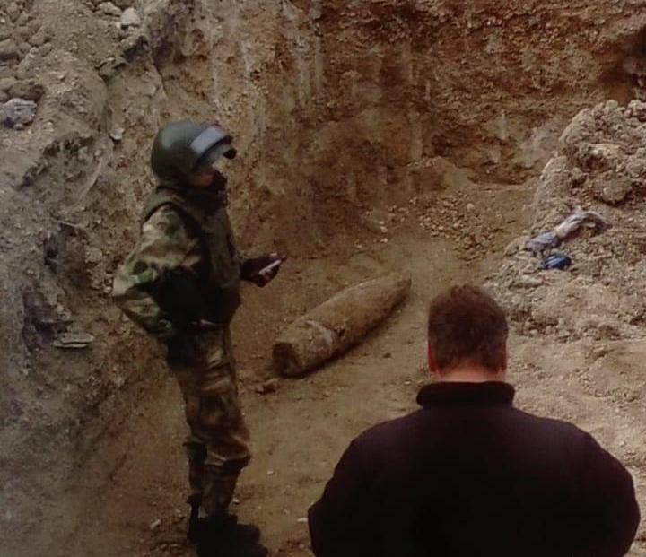 Крупнокалиберный снаряд найден во дворе новороссийской школы