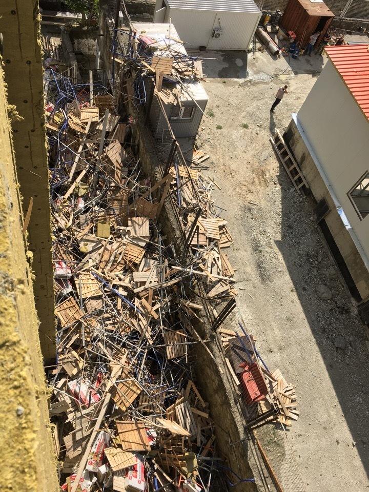 Падением с высоты закончился рабочий день строителей в Новороссийске
