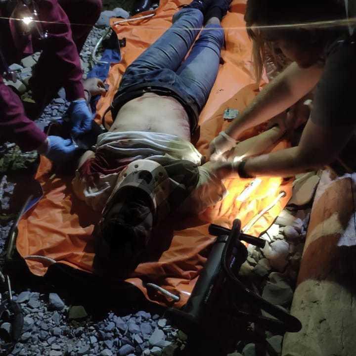 Турист сорвался с обрыва горы «Колдун» и чудом выжил