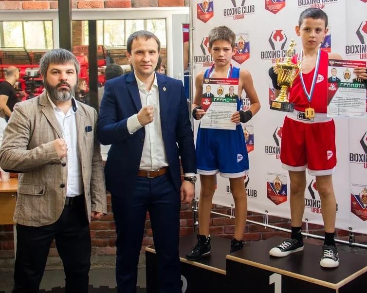 Двадцать юных новороссийцев получили «золото» на турнире по боксу