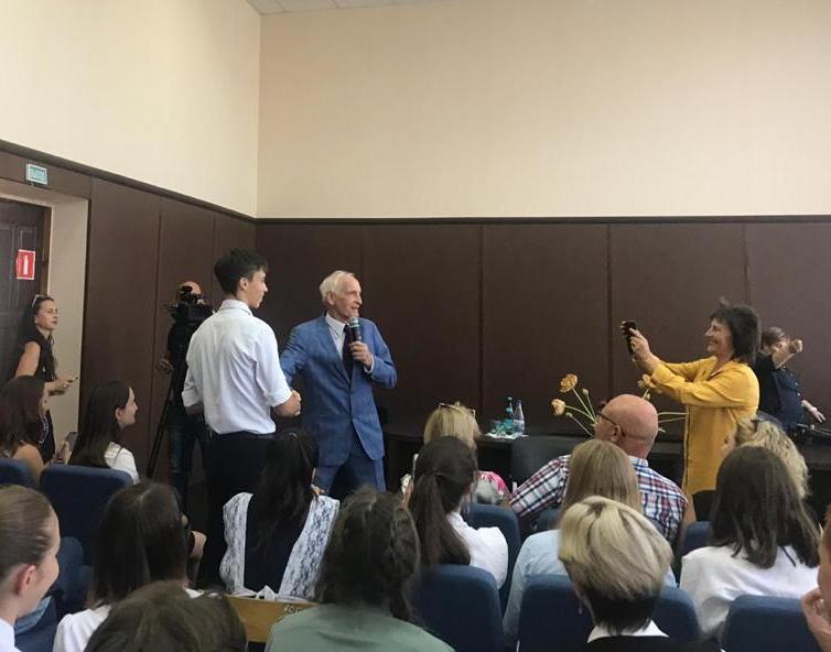 Школьник из Новороссийска удивил народного артиста СССР