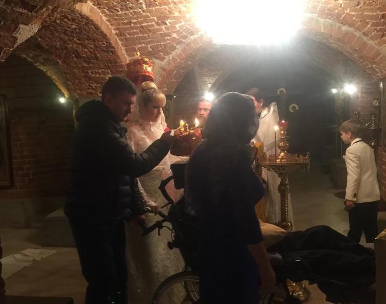 Женя и Оксана Гончаровы повенчались в монастыре при больнице