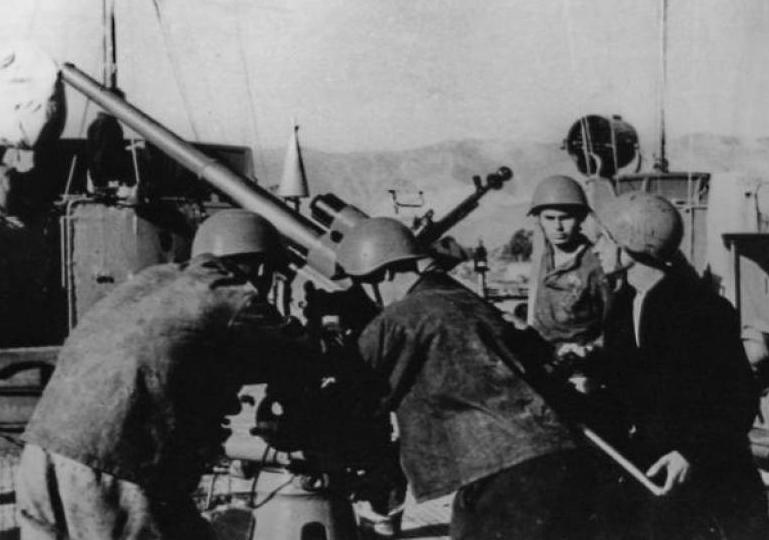 Новороссийск 75 лет назад: первая батарея глазами участника боев