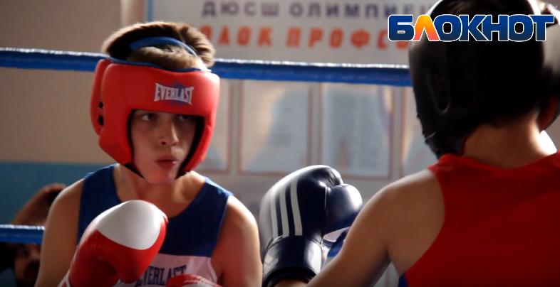 Юноши и юниоры из Новороссийска снова вышли на ринг за победой