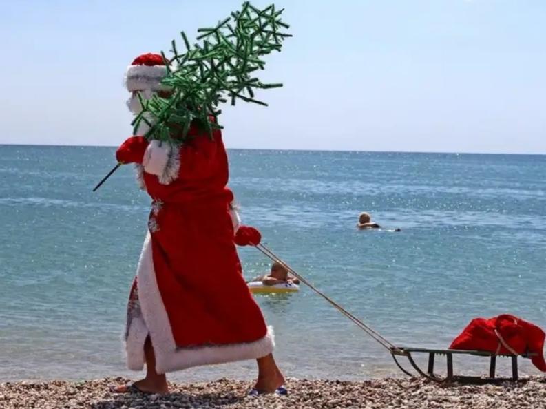 В День рождения Деда Мороза Новороссийцы  продолжают наслаждаться теплом