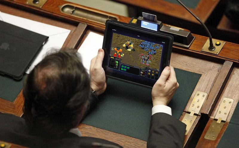 Прокуратура запретила администрации Новороссийска покупать планшеты Apple
