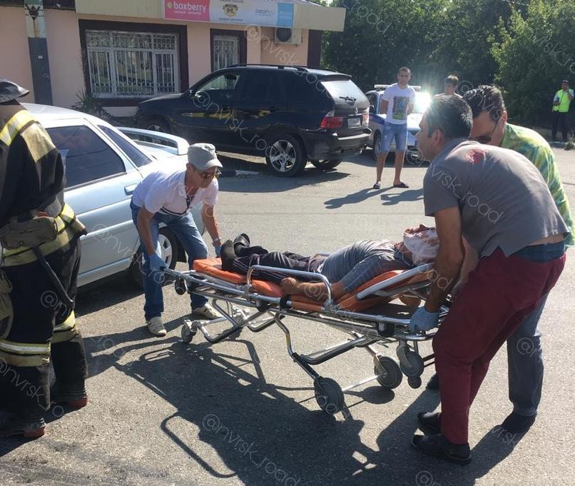 Пассажиров маршрутки летели спасать пять Скорых Новороссийска