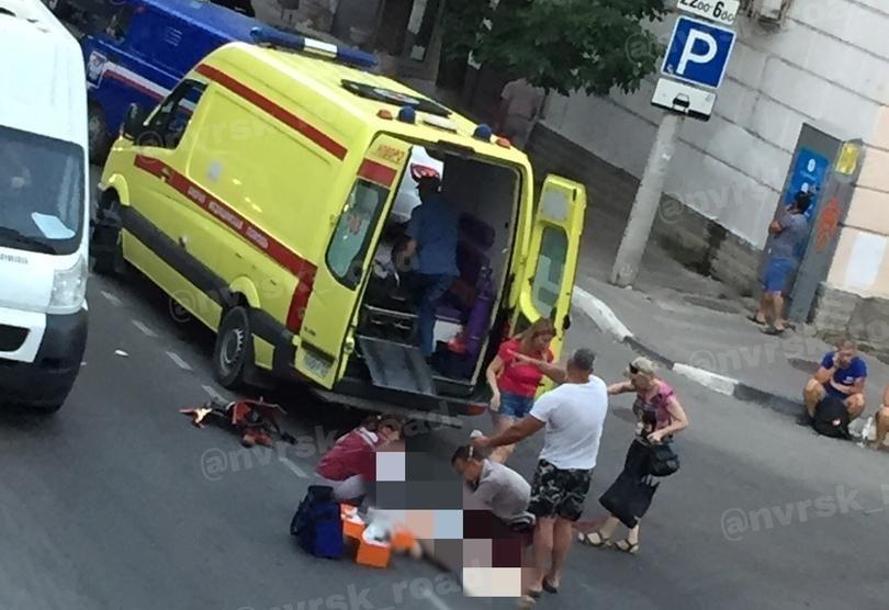 Камеры показали, как мотоциклист убил бабушку в Новороссийске