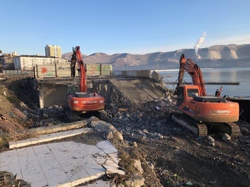 Основания для сноса построек на городском пляже в Новороссийске все же нашлись
