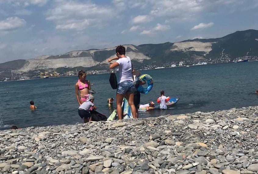 Родители малыша без плавок послали жительницу Новороссийска «куда-нибудь подальше»