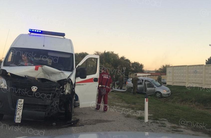 Виноват ли водитель «скорой» в ДТП, обсуждают новороссийцы