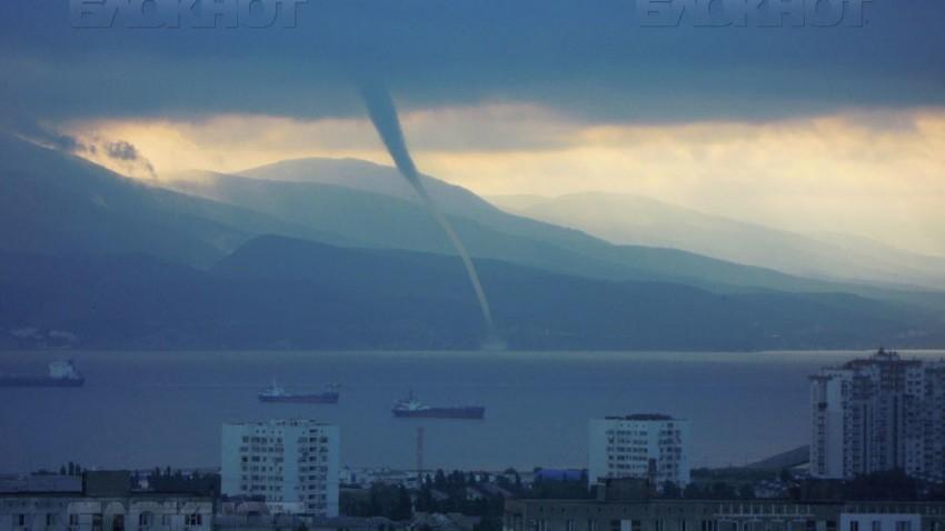 Смерчи могут присоединиться к потопу в Новороссийске