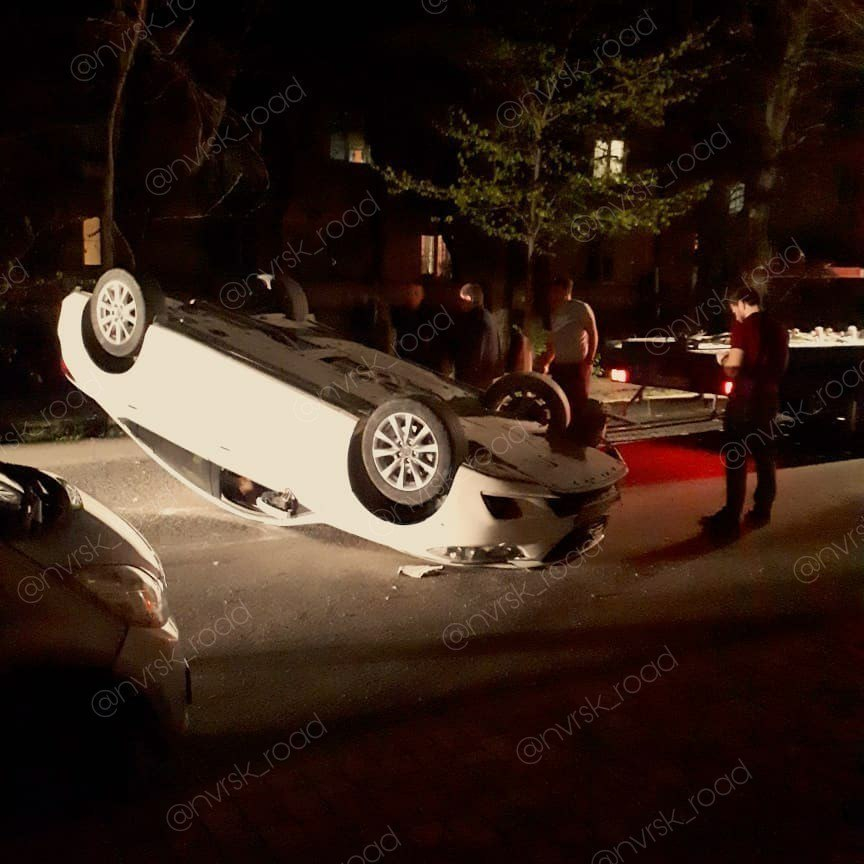 Новороссийская автоледи элегантно уложила авто вверх колёсами