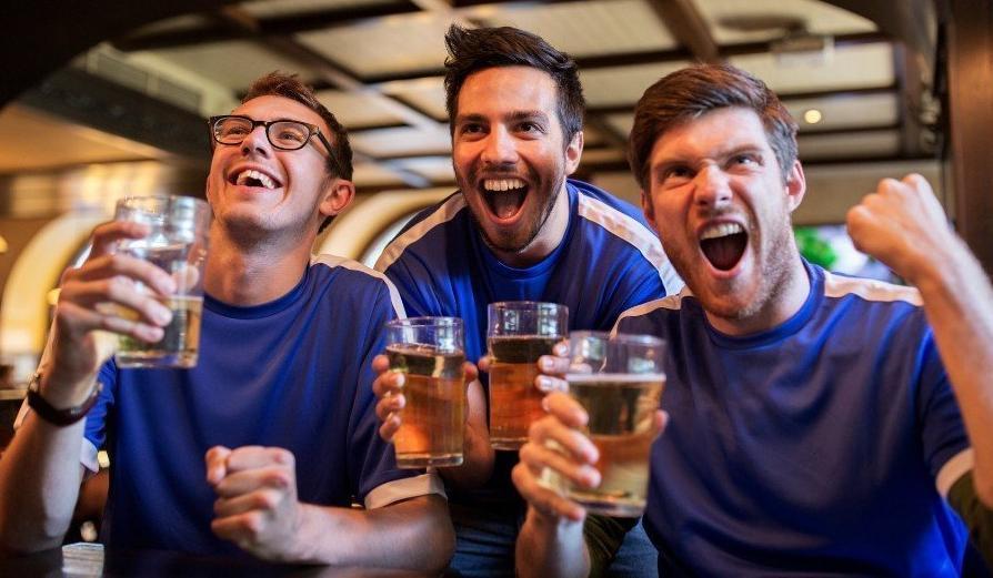 Не считать пиво алкоголем предложил Минпромторг. Минздрав против