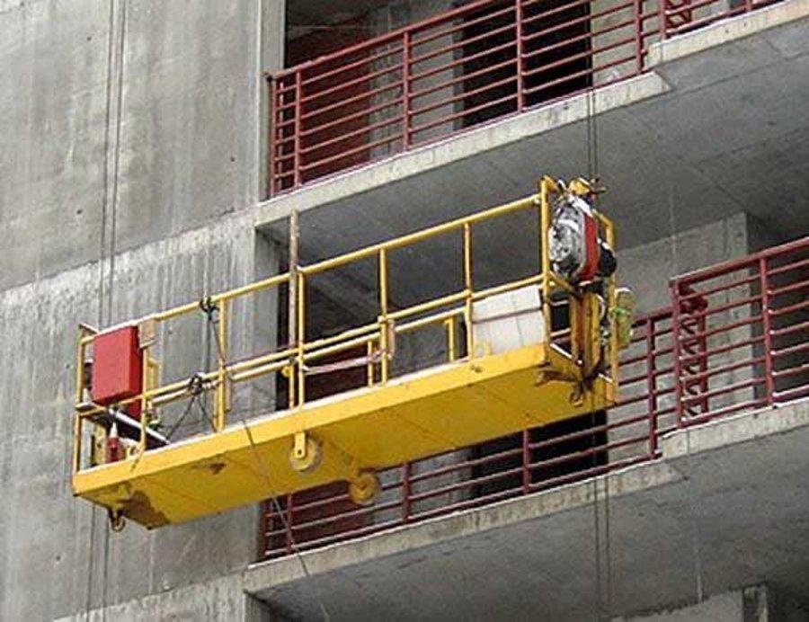 В Новороссийске строительная люлька убила двух рабочих