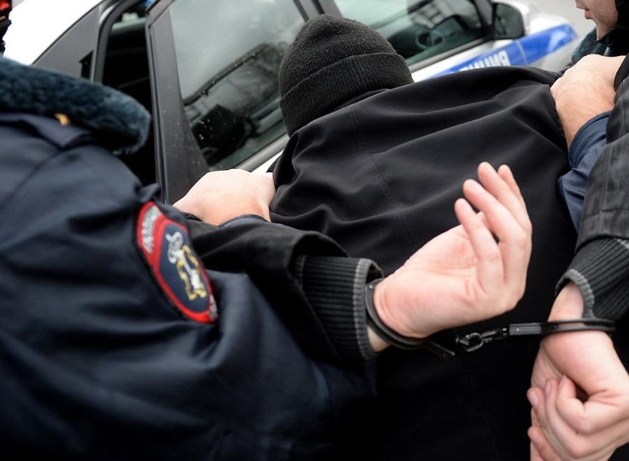 Рейс «Воронеж-Новороссийск-за решетку»: полицейские Новороссийска поймали мужчину в федеральном розыске