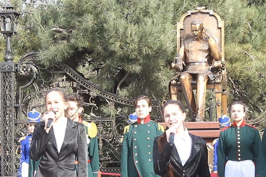 Душевно и красиво открыли в Новороссийске памятник губернатору Волкову