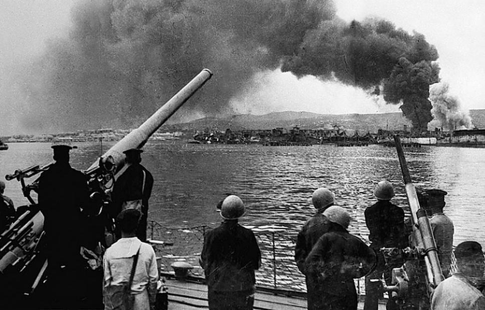 Новороссийск 75 лет назад: артиллеристы пашут и перепахивают оборону врага