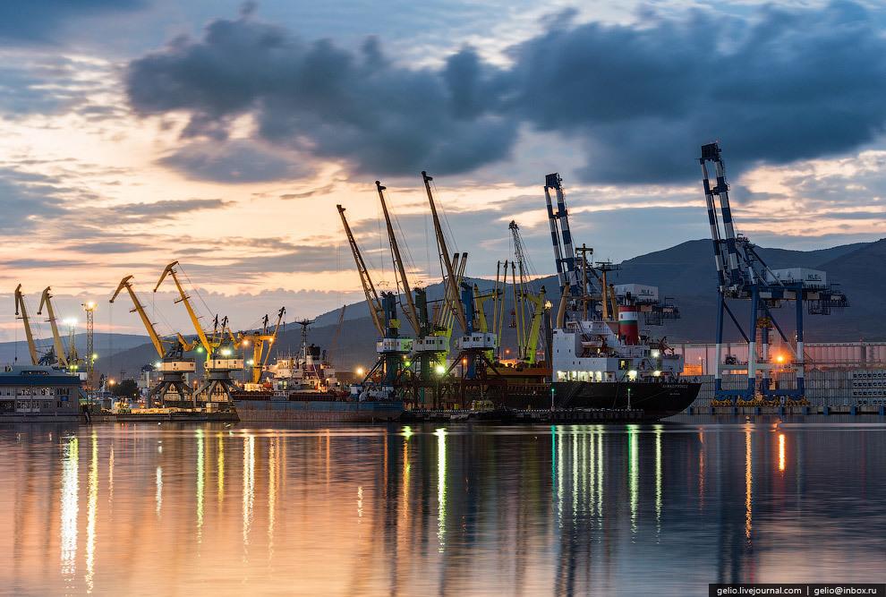 Пробку в Новороссийском морском порту будет регулировать Минтранс