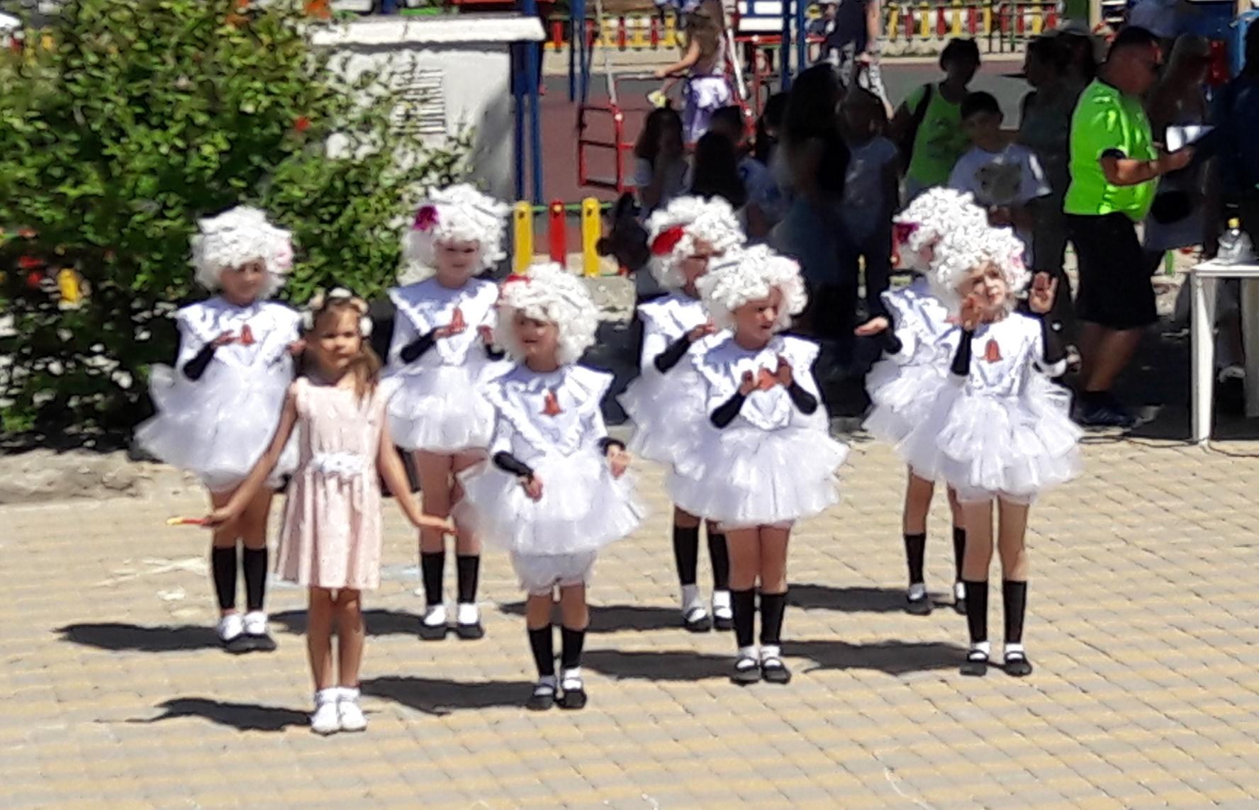 В Новороссийске не только все люди празднуют День России