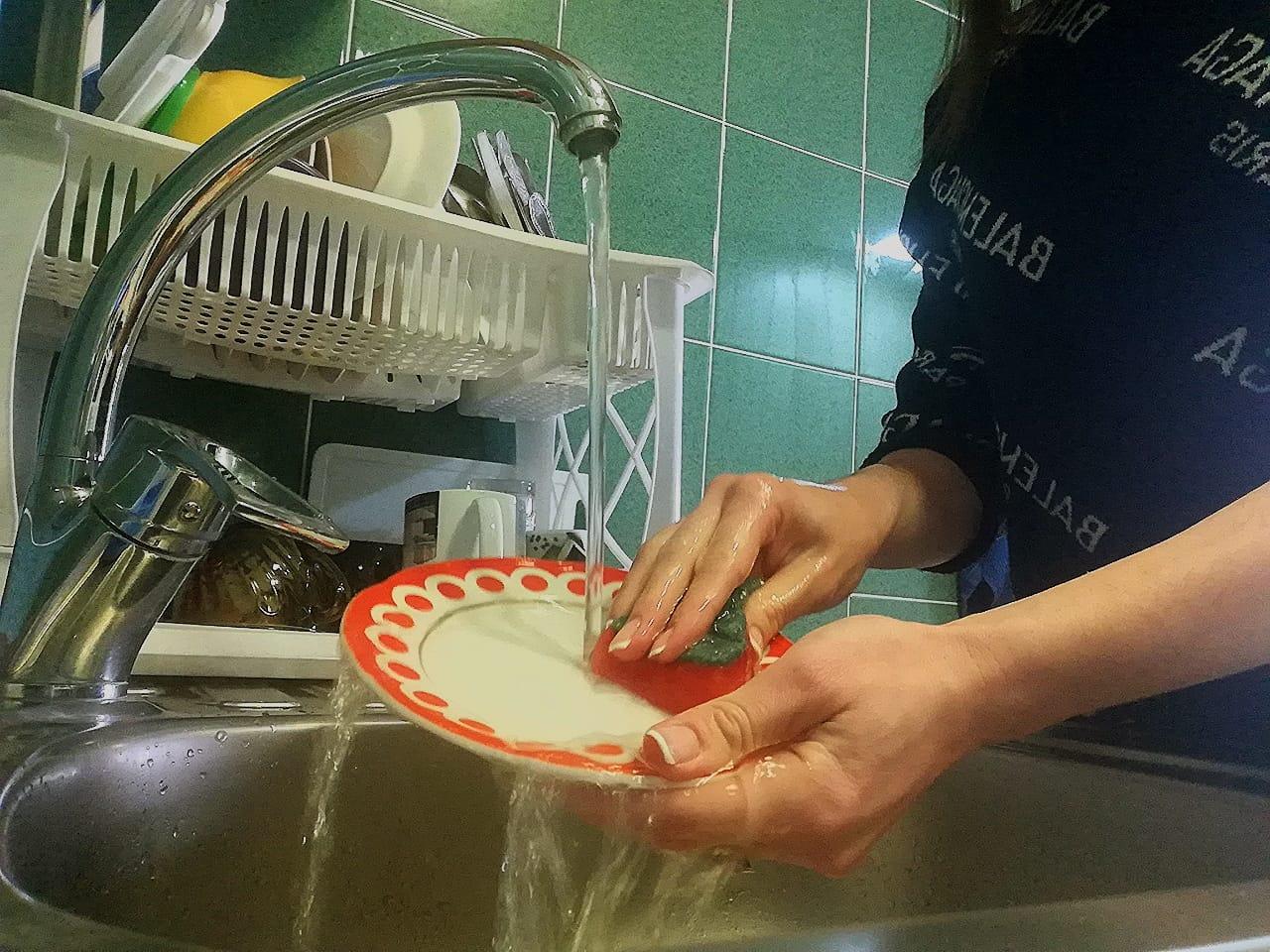 Роскачество отмыло репутацию средств для мытья посуды и выявило лучших
