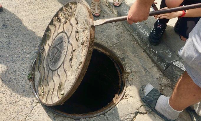 Борьба новороссийцев с канализацией продолжается