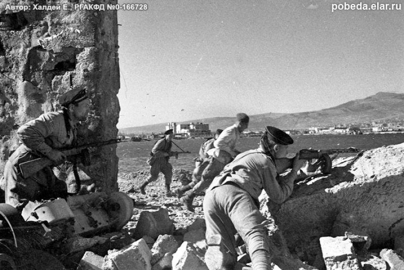 14 апреля 1943 года в Новороссийске. На 75 лет назад