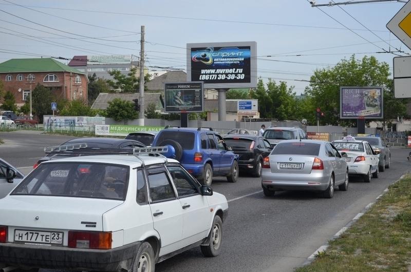 Внесли изменения в работу светофора на пересечении Куникова и Дзержинского