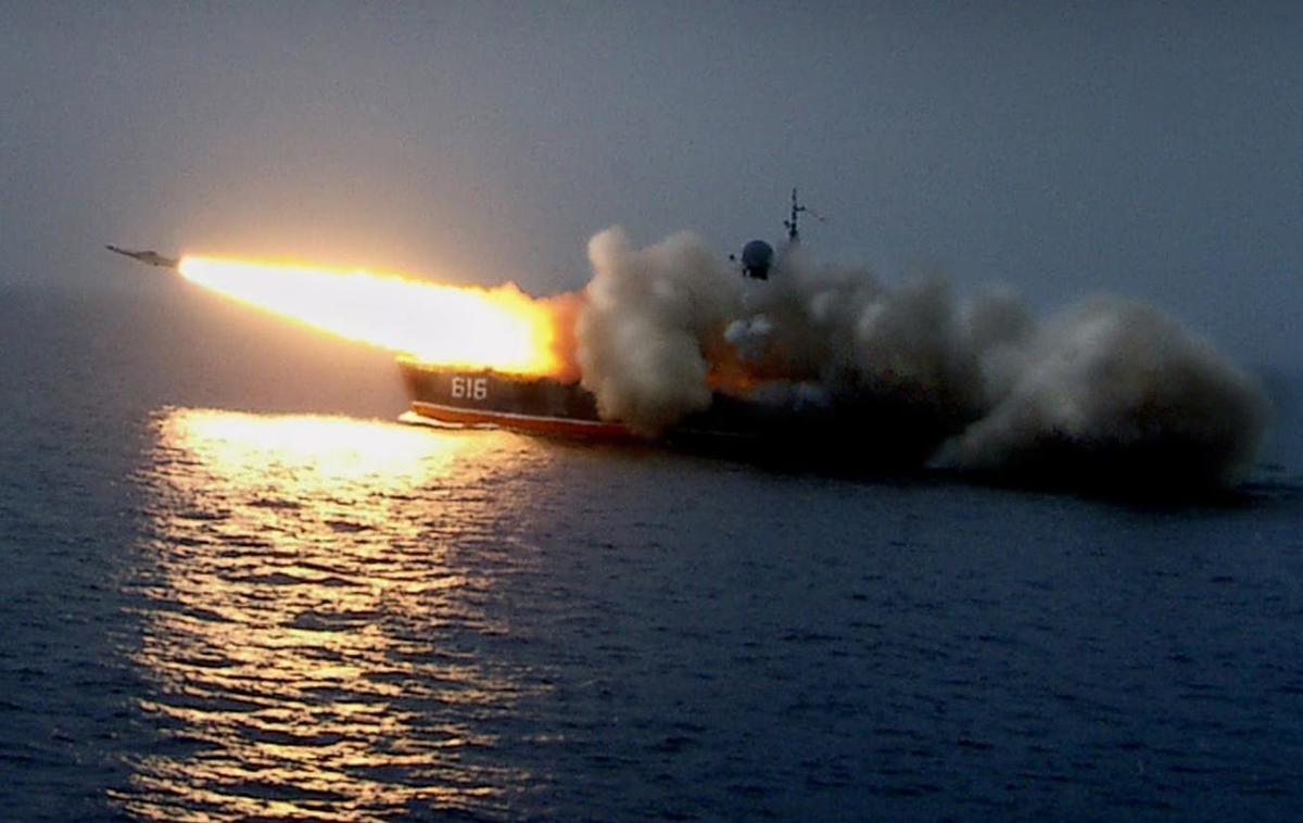 Корабли Новороссийской военно-морской базы сдавали курсовую работу