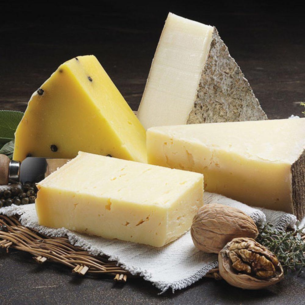 У торговца на Южном рынке Новороссийска изъяли санкционный сыр