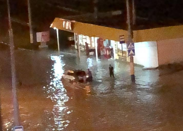К ночи Новороссийск уходит под воду. Что делать и как себя вести.