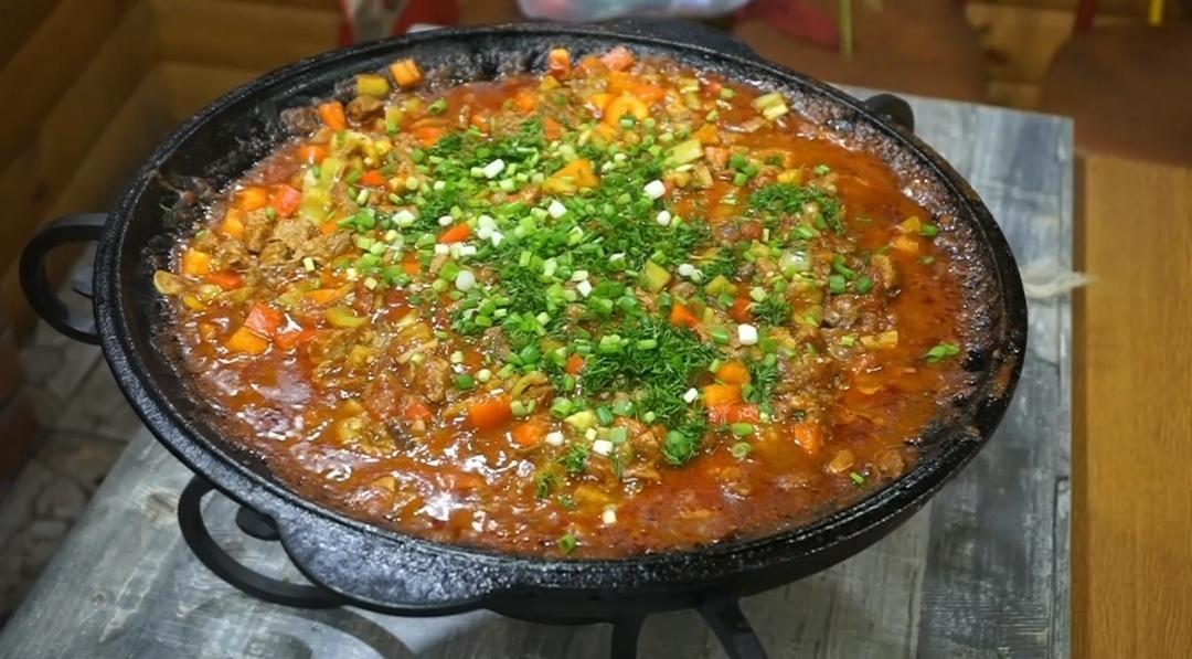 Готовим на мангале: Говядина с овощами