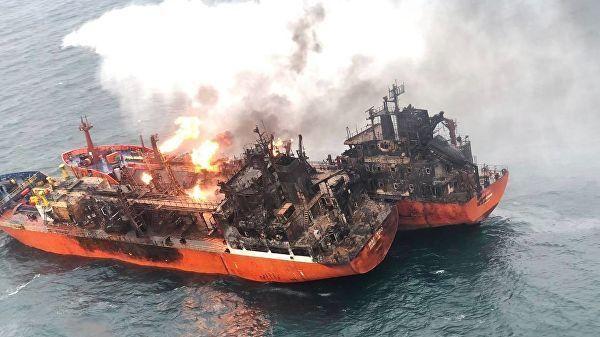 У спасателей не осталось надежд найти живых моряков на месте пожара двух танкеров